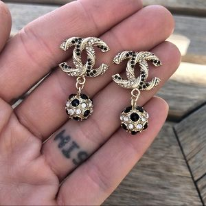 Chanel gold twist cc crystal drop earrings